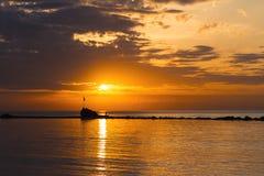 Coucher du soleil de roche Image libre de droits