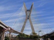 Coucher du soleil de Sao Paulo de passerelle d'Estaiada Images libres de droits
