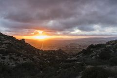 Coucher du soleil de Simi Valley California Winter Clouds Image stock