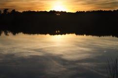 Coucher du soleil de terrain de camping Photo libre de droits