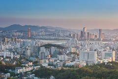 Coucher du soleil de ville de Séoul, Corée du Sud Photographie stock