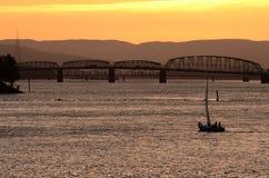 Coucher du soleil de voilier Photographie stock