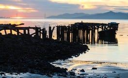 Coucher du soleil derrière le Golden Gate Photographie stock libre de droits