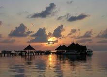 coucher du soleil des Maldives photos stock