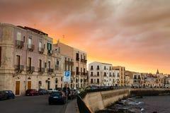 Coucher du soleil dramatique après tempête lourde dans Sycaruse Image stock