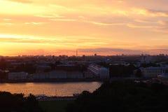 Coucher du soleil du ` s de St Petersburg Photographie stock libre de droits
