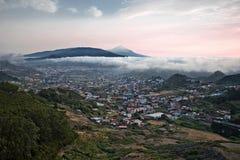 Coucher du soleil en île de Ténérife vue du massif d'Anaga Photos libres de droits