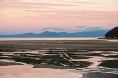 Coucher du soleil en Abel Tasman National Park Photographie stock libre de droits