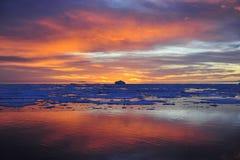 Coucher du soleil en Antarctique Photo libre de droits