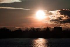 Coucher du soleil en automne en novembre Photographie stock