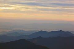 Coucher du soleil en Himalaya Photographie stock libre de droits