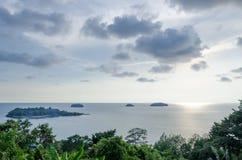 Coucher du soleil en Koh Chang, Thaïlande Photo libre de droits