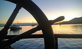 Coucher du soleil en mer Photo stock