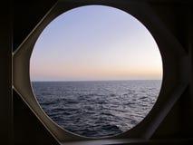Coucher du soleil en mer en trou gauche Photographie stock