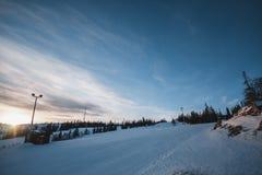 Coucher du soleil en montagne photos stock