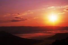 Coucher du soleil en montagne Image stock
