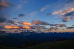 Coucher du soleil en parc naturel Sciliar-Rosengarten Images stock