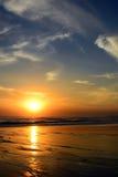 Coucher du soleil en plage de Kuta, Bali, Indonésie photographie stock