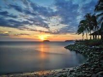 Coucher du soleil en plage photos libres de droits