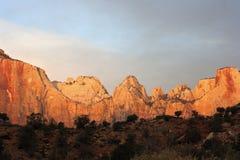Coucher du soleil en stationnement national de Zion Photos stock