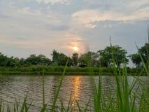 Coucher du soleil et ciel Photographie stock libre de droits