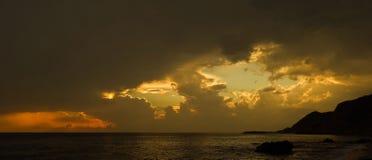 Coucher du soleil et mer Image stock