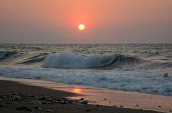 Coucher du soleil et mer ! Belle île de Crète ! photos stock