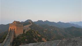 Coucher du soleil filtrant le tir de la Grande Muraille de la Chine clips vidéos