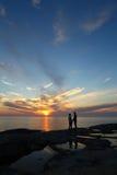 Coucher du soleil finlandais d'île photos stock
