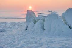 Coucher du soleil froid de l'hiver Image libre de droits