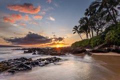 Coucher du soleil hawaïen de paradis photographie stock