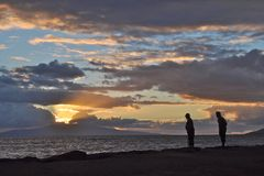 Coucher du soleil hawaïen pour deux Photographie stock