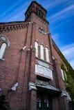 Coucher du soleil/heure bleue/crépuscule - église abandonnée photos libres de droits
