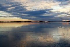 Coucher du soleil hivernal à 15h00 images stock