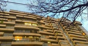 Coucher du soleil, immeuble Derniers jours de l'hiver images libres de droits