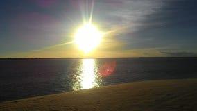 Coucher du soleil impressionnant devant l'Océan Atlantique photos libres de droits