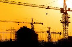 Coucher du soleil industriel image libre de droits