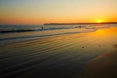 Coucher du soleil intertidal côtier de zone photographie stock