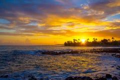 Coucher du soleil jaune de Kauai Images libres de droits