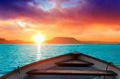 Coucher du soleil le Lac Balaton photographie stock libre de droits