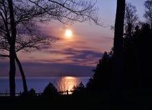 Coucher du soleil le lac Michigan photo stock