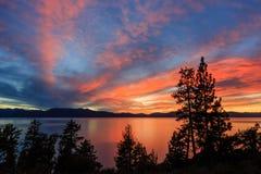 Coucher du soleil, le lac Tahoe Photographie stock
