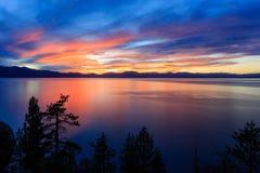 Coucher du soleil, le lac Tahoe Image stock