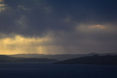 Coucher du soleil magique sur les Îles Shetland Image stock