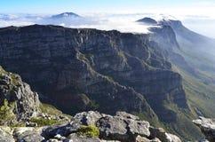 Coucher du soleil magnifique au-dessus de la montagne de Tableau Image libre de droits