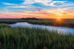 Coucher du soleil marécageux au-dessus de rivière de Matanzas image stock
