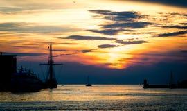 Coucher du soleil maritime Photo stock