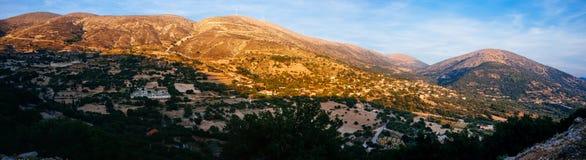 Coucher du soleil montagneux Panorama4 de la Grèce-Kefalonia photo libre de droits