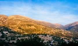 Coucher du soleil montagneux Panorama1 de la Grèce-Kefalonia image stock