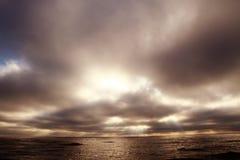 Coucher du soleil nuageux Images libres de droits